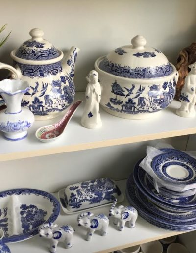 Complete Set of Chinese Dinnerware & Deal Hunter Estate Sales - Product Gallery